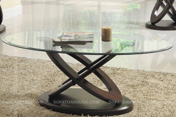 Bàn trà sofa mặt kính hình oval sang trọng hiện đại trong không gian phòng khách