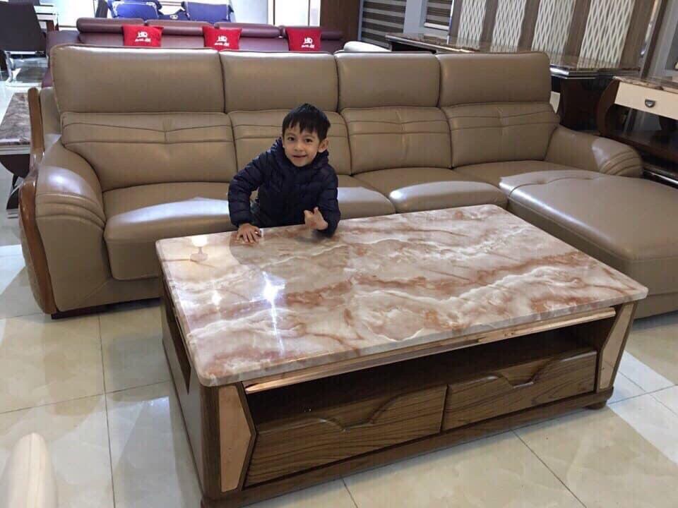 Mẫu bàn trà đẹp vân gỗ màu nâu tinh tế của đá marble.