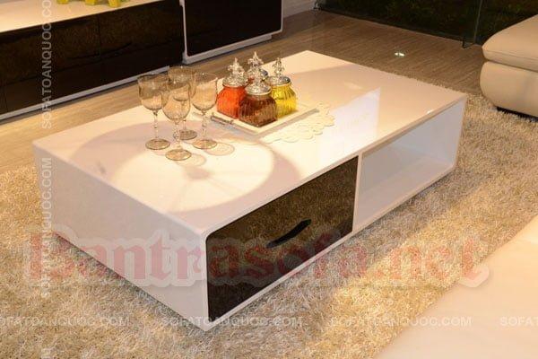 Với diện tích phòng nhỏ thì có thể lựa chọn những mẫu bàn trà kiểu Nhật nhỏ gọn nhưng đảm bảo sang trọng