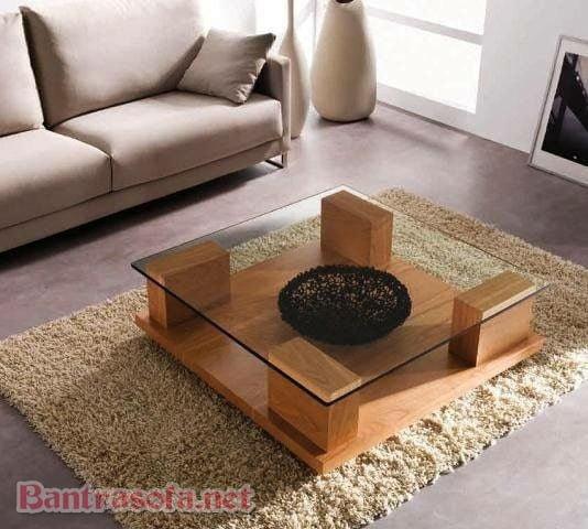 bàn trà mặt kính hình vuông chân gỗ