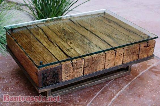 Kiểu dáng đơn giản với mẫu bàn trà mặt kính chân inox cực đẹp. Phần khung sử dung gỗ nguyên khối bền lâu. Mặt kính cường lực dày, giúp hấp thụ tối đa lực tác dụng, khả năng chịu lực cực cao hạn chế nứt vỡ
