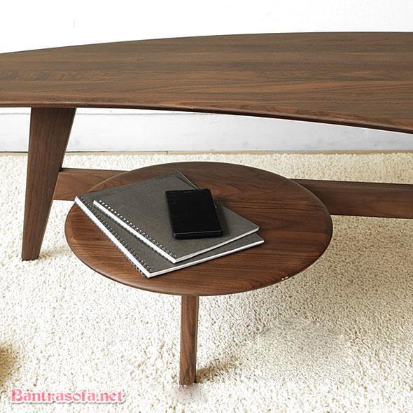 Phần ghế nhỏ con tạo điểm nhấn hoặc là nơi để sách báo, điện thoại.
