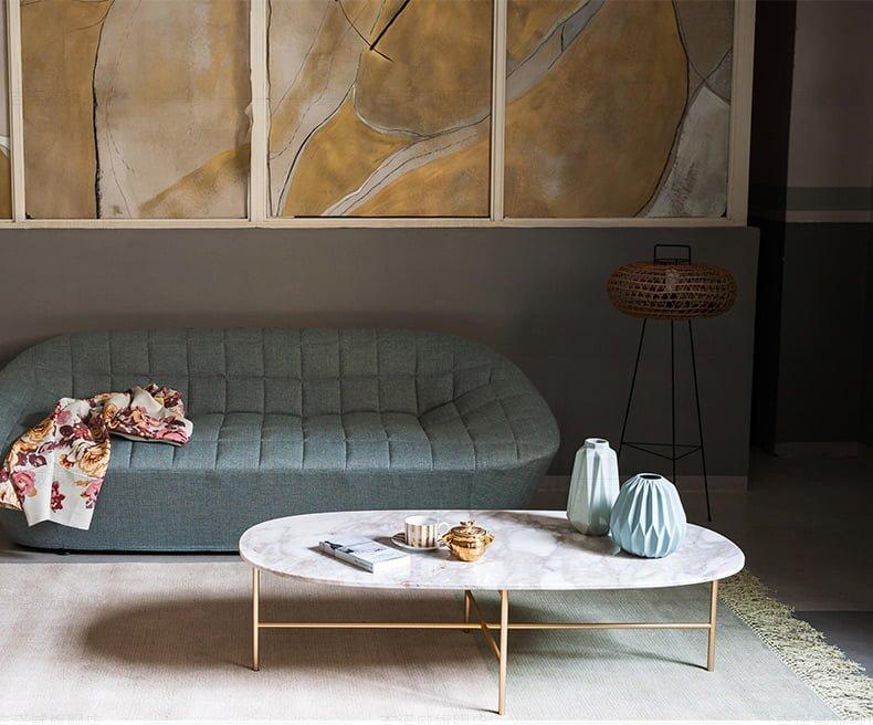 Vẻ đẹp sang trọng tiện lợi, dễ bài trí khi kết hợp với ghế sofa phòng khách.