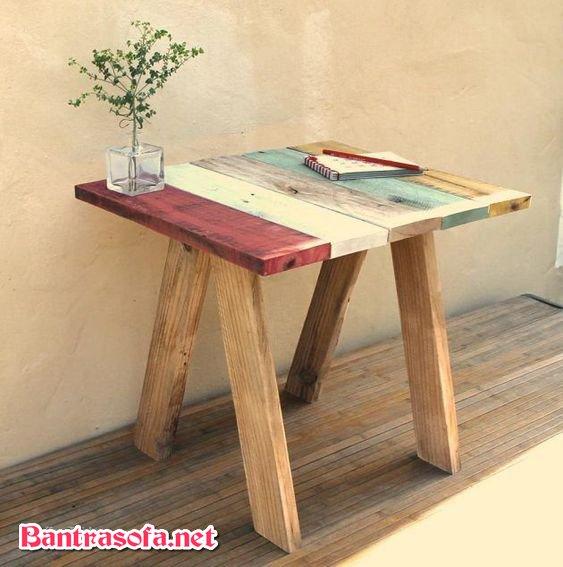 bàn trà gỗ ngoài ban công