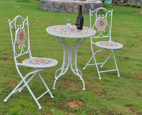 bàn trà ngoài trời phong cách châu Âu