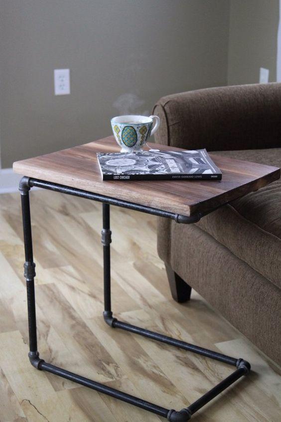 bàn trà hình chữ nhật dùng với ghế sofa mặt gỗ chân sắt
