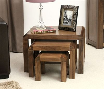 bàn trà gỗ dùng trong khách sạn 3 ghế xếp lên nhau