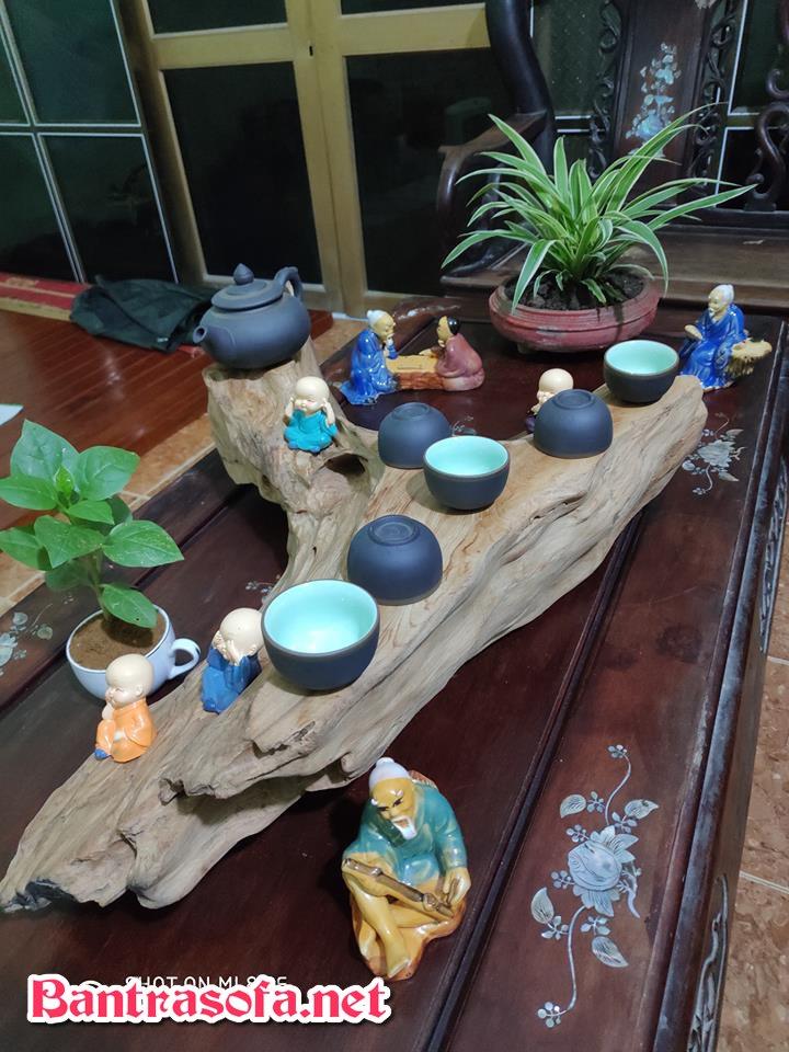 khay trà gốc cây nguyên khối mộc mạc