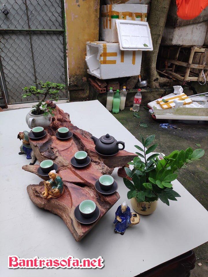 Gốc cây tinh tế làm khay trà đẹp phục vụ người thưởng trà
