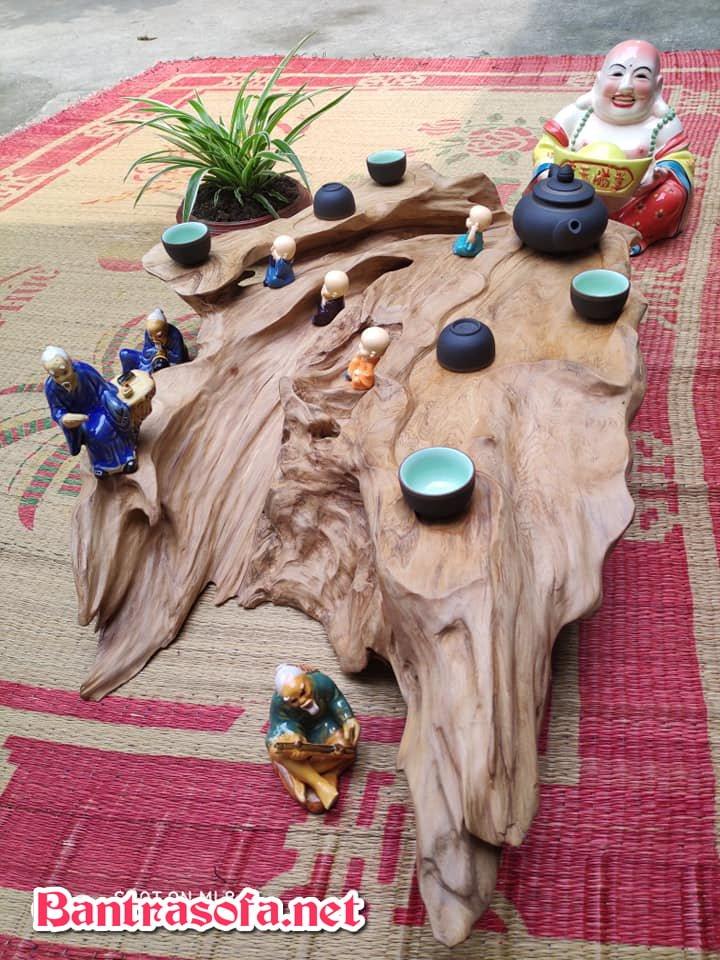 gốc cây bỏ đi làm khay trà đẹp