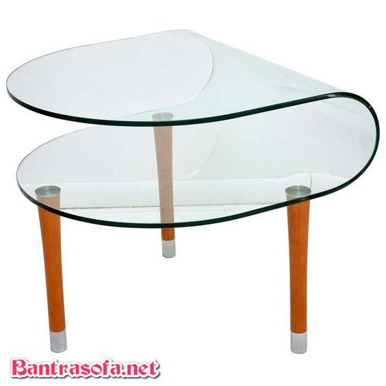 bàn trà kính chân gỗ uốn cong mặt kính 2 tầng