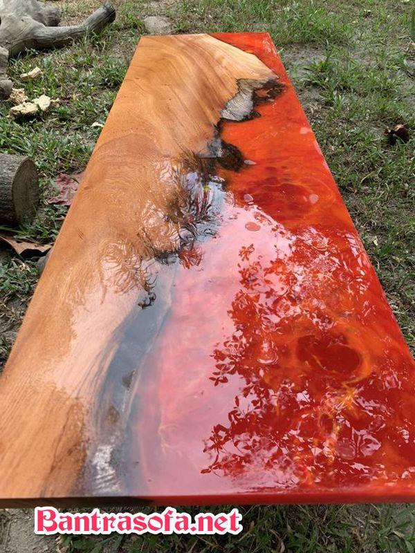 bàn gỗ epoxy resin cỡ lớn ngoài trời