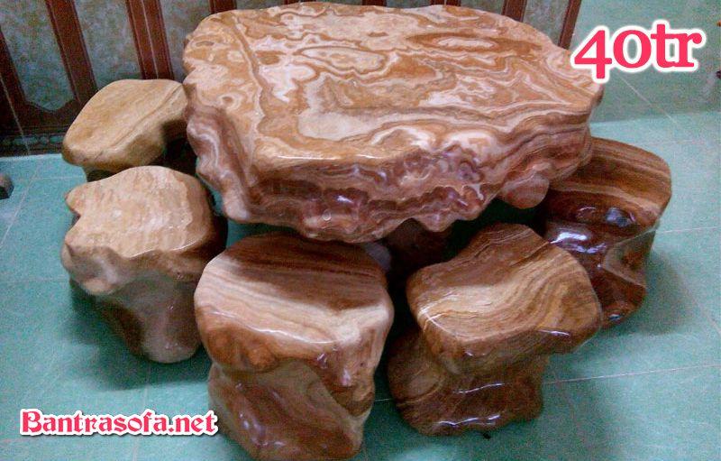 Bộ bàn trà bằng đá cẩm thạch vân gỗ nâu.