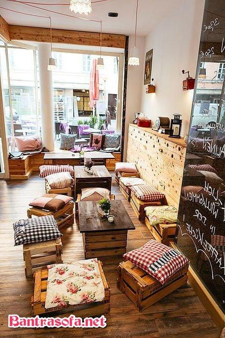 bàn ghế quán trà sữa bằng gỗ pallet
