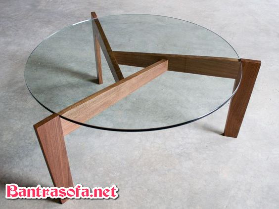 bàn trà mặt kính chân gỗ tròn