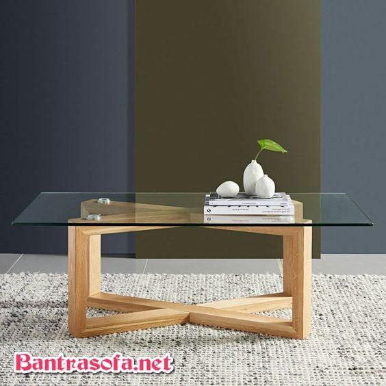 bàn trà chân gỗ sồi mặt kính trong suốt