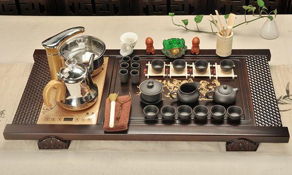 Thiết kế bàn pha trà bằng điện an toàn cho người sử dụng.