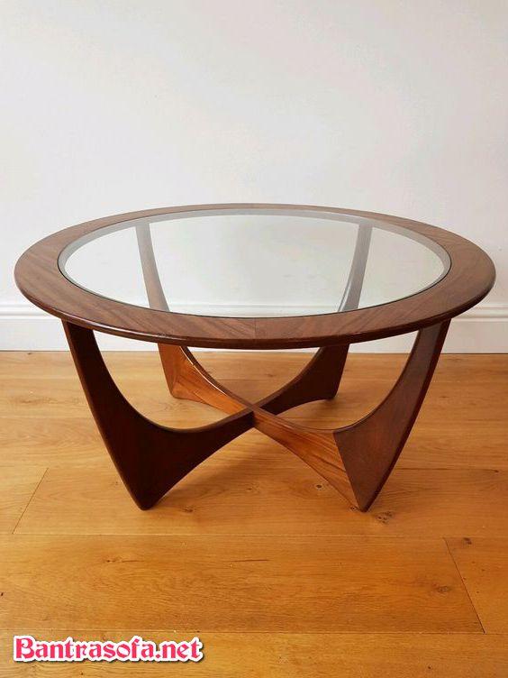bàn mặt kính chân gỗ đẹp mắt