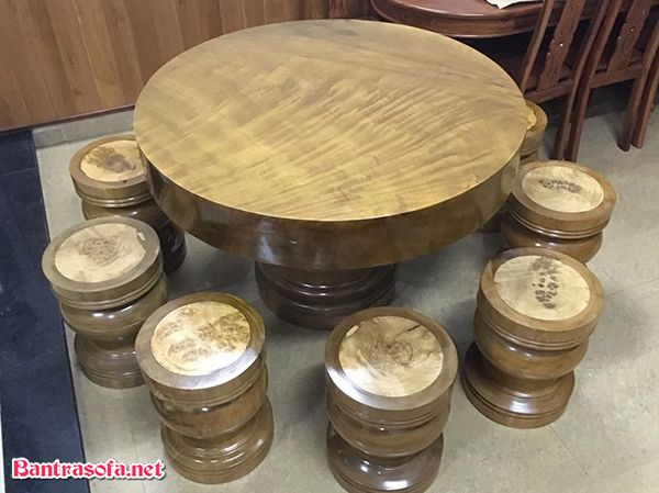 mặt bàn gỗ dỗi tự nhiên