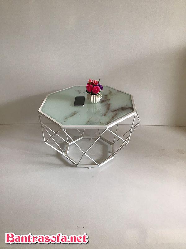 Bàn trà hình kim cương mặt đá BKC02