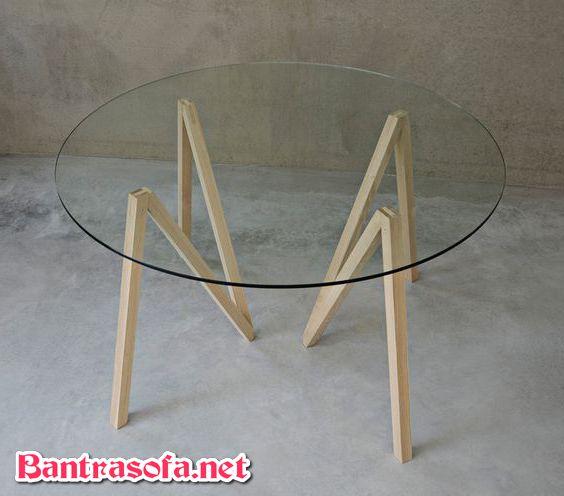 bàn kính tròn sofa chân gỗ đơn giản
