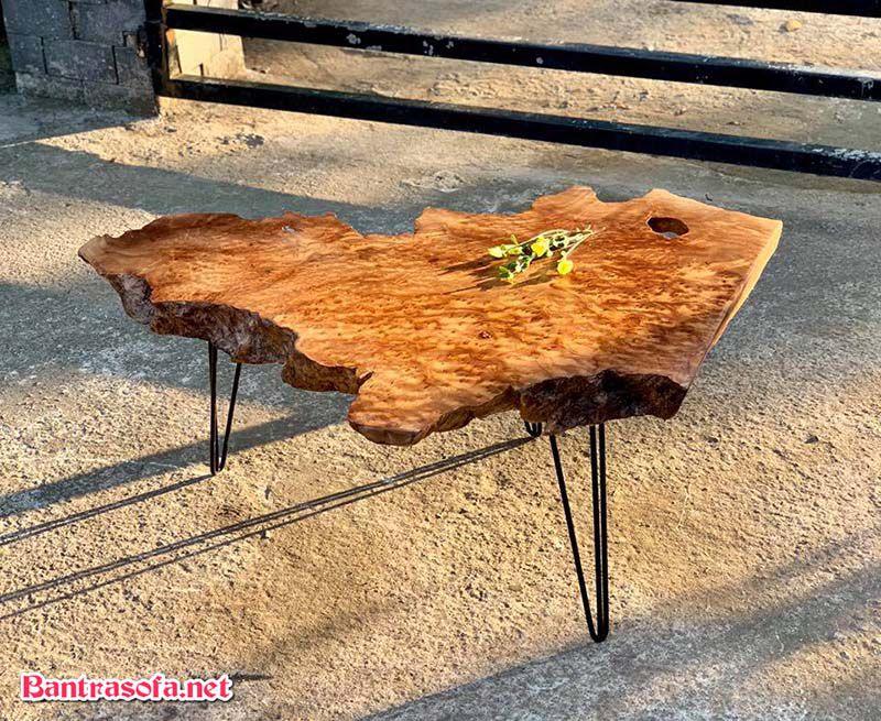 mặt bàn gỗ xá xị chân sắt